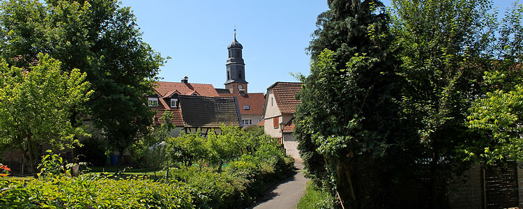 Der Fußweg in den alten Ortskern (c)Empter